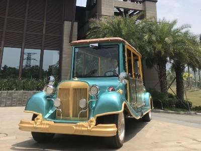 华锴电动车生产的皇室蓝全封闭电动老爷车受房地产客户好评