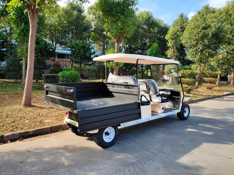 4座电动高尔夫货车