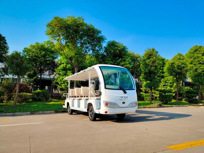 电动观光车走进高校,成为校园亮丽风景线