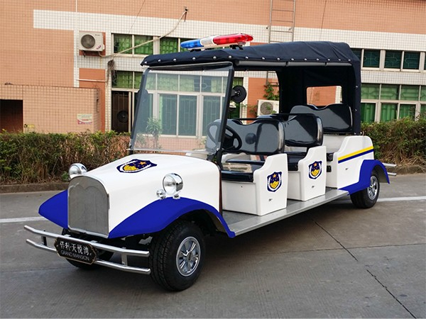 6座位复古款款警用巡逻车