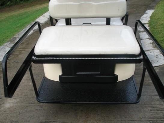 4座位电动高尔夫球车