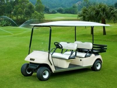 4座带货箱电动高尔夫球车