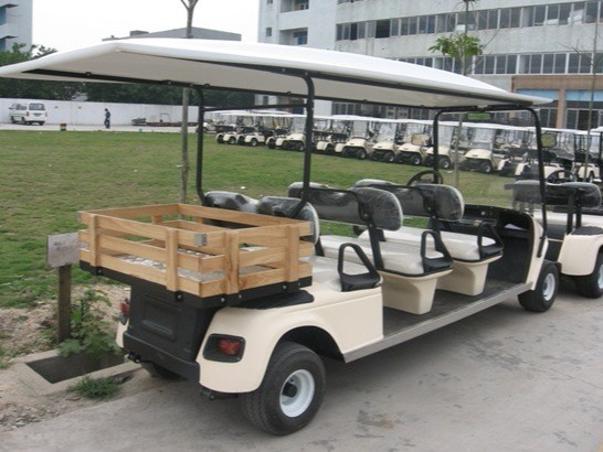 6座带货箱电动高尔夫球车